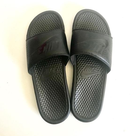Nike Benassi men's slide sandals size 13